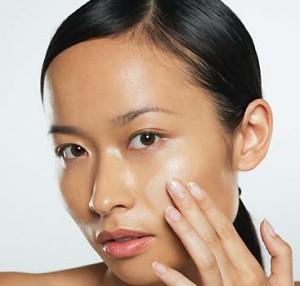 Cách trị mụn cho da mặt nhờn dễ làm và hiệu quả