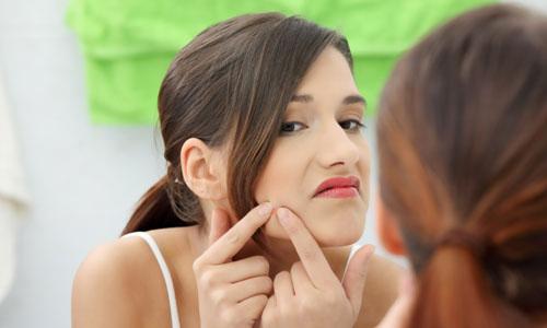 Mách nước cách chăm sóc và điều trị da mặt bị mụn hữu hiệu 3