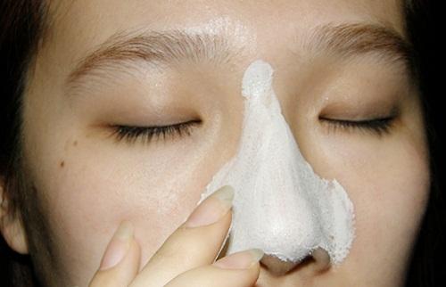 Bị dị ứng với mặt nạ trị mụn đầu đen ở mũi nên làm thế nào?1