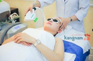Điều trị mụn bằng Nano Skin có đau không, có để lại sẹo không, bao lâu thì hồi phục ạ?