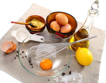 cách trị mụn bằng trứng gà 2