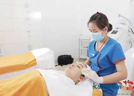 có nên điều trị mụn cám bằng công nghệ oxy-led 3