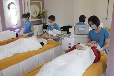 trị mụn cám bằng Oxy-Led có đau không 6