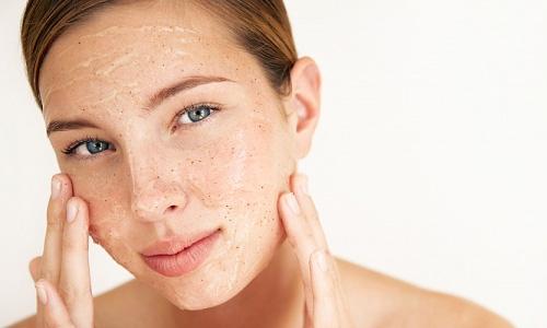 Tự chế kem trị mụn bọc dưới da cho da nhờn 3