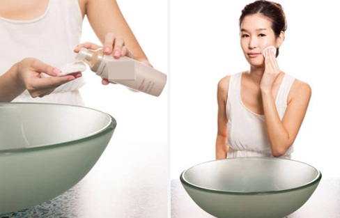 Sốc với cách trị mụn bằng dung dịch vệ sinh phụ nữ
