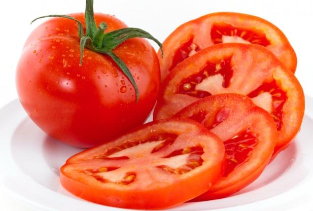 4 mẹo cà chua trị mụn có thể bạn chưa biết 3