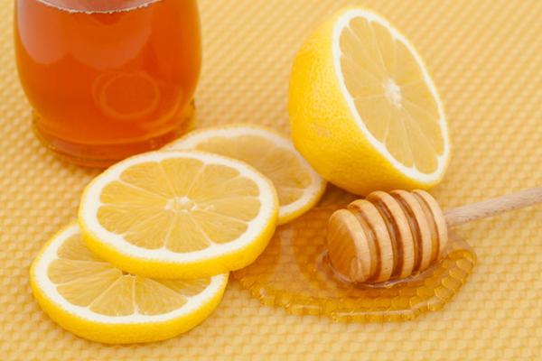 Cách trị mụn thâm ở mặt hiệu quả với mật ong, bạn biết chưa?5