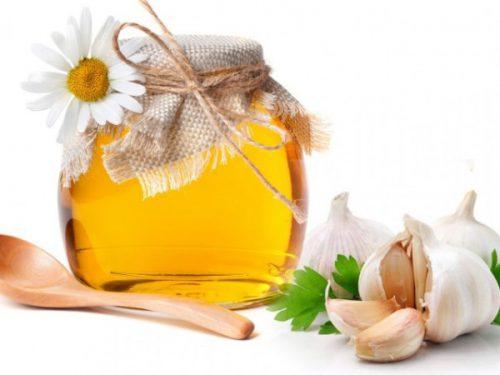 tỏi và mật ong trị mụn