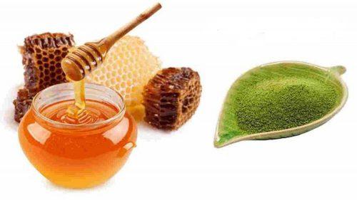 trị mụn bằng bột trà xanh và mật ong