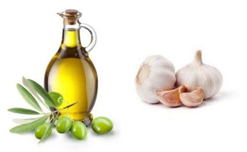 dầu oliu trị mụn thâm