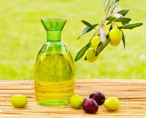 trị mụn bằng dầu ô liu