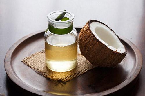 chữa tàn nhang với dầu dừa