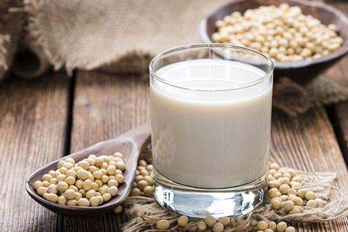 rửa mặt bằng sữa đậu nành