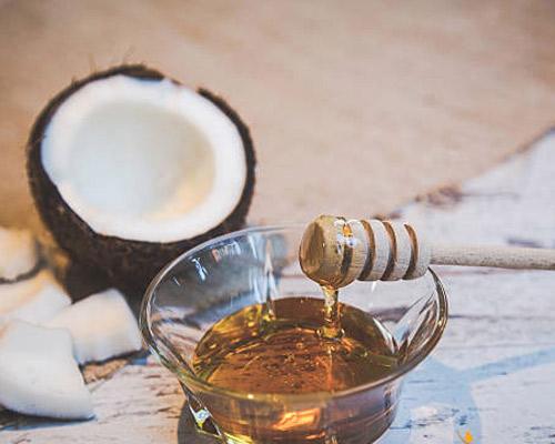 trị tàn nhang bằng dầu dừa hiệu quả
